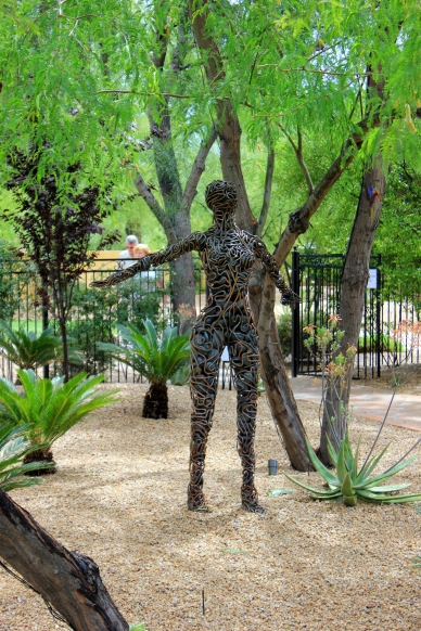McCallister Sculpture - Phoenix Home and Garden Tour - metalart Scottsdale Paradise Valley